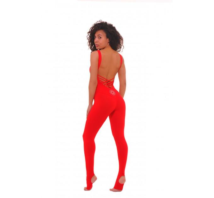 Ярко красный спортивный комбинезон с открытой спиной и ластовицей